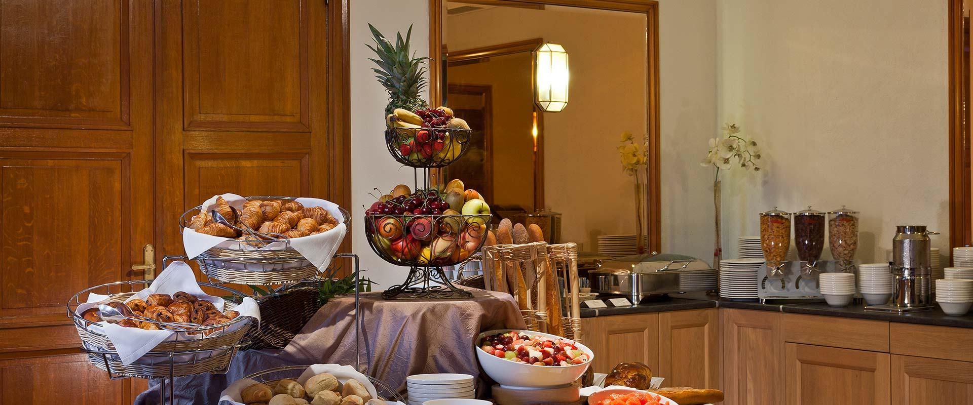 restaurant-gastronomique-petit-dejeuner