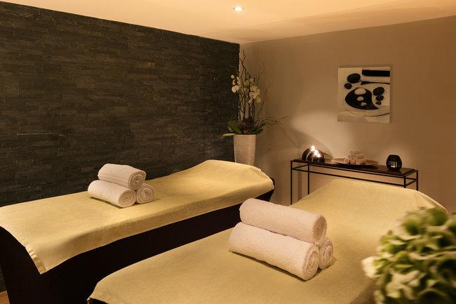 Dual treatment room