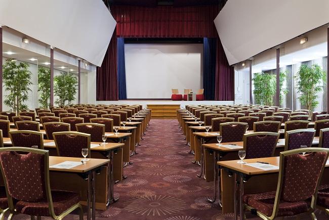 Debussy meeting room