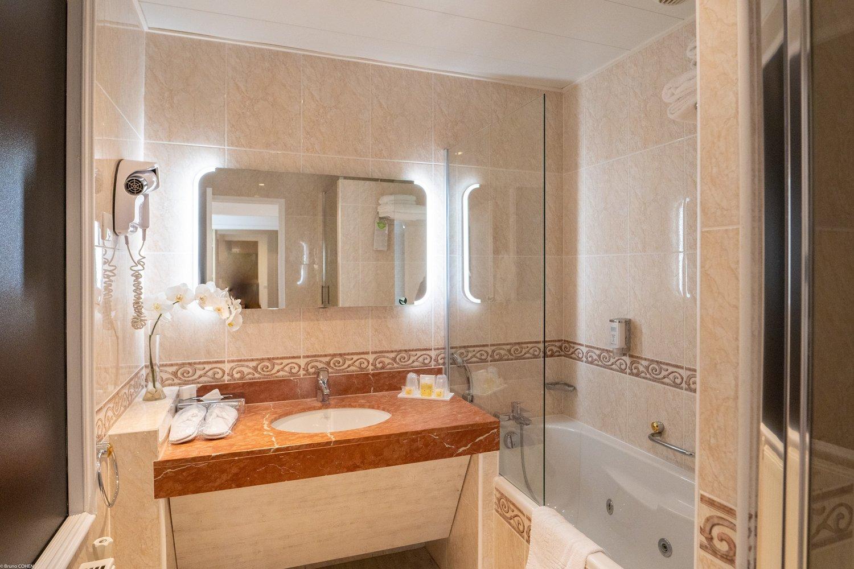Salle de bain chambre deluxe 2018