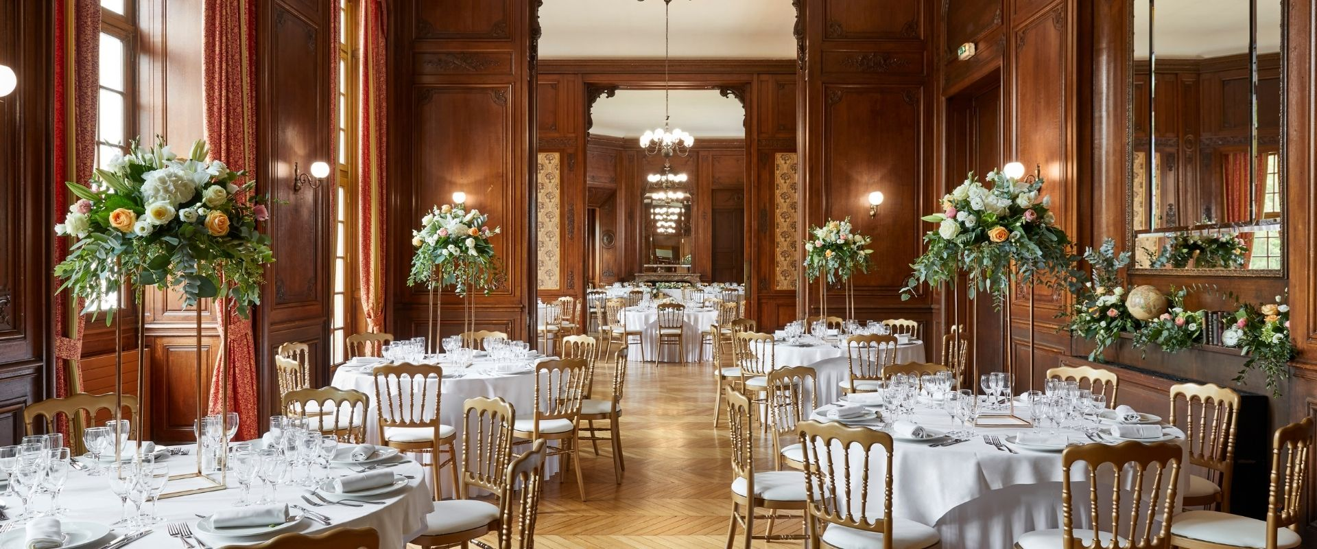 Wedding wooden panel Dining room