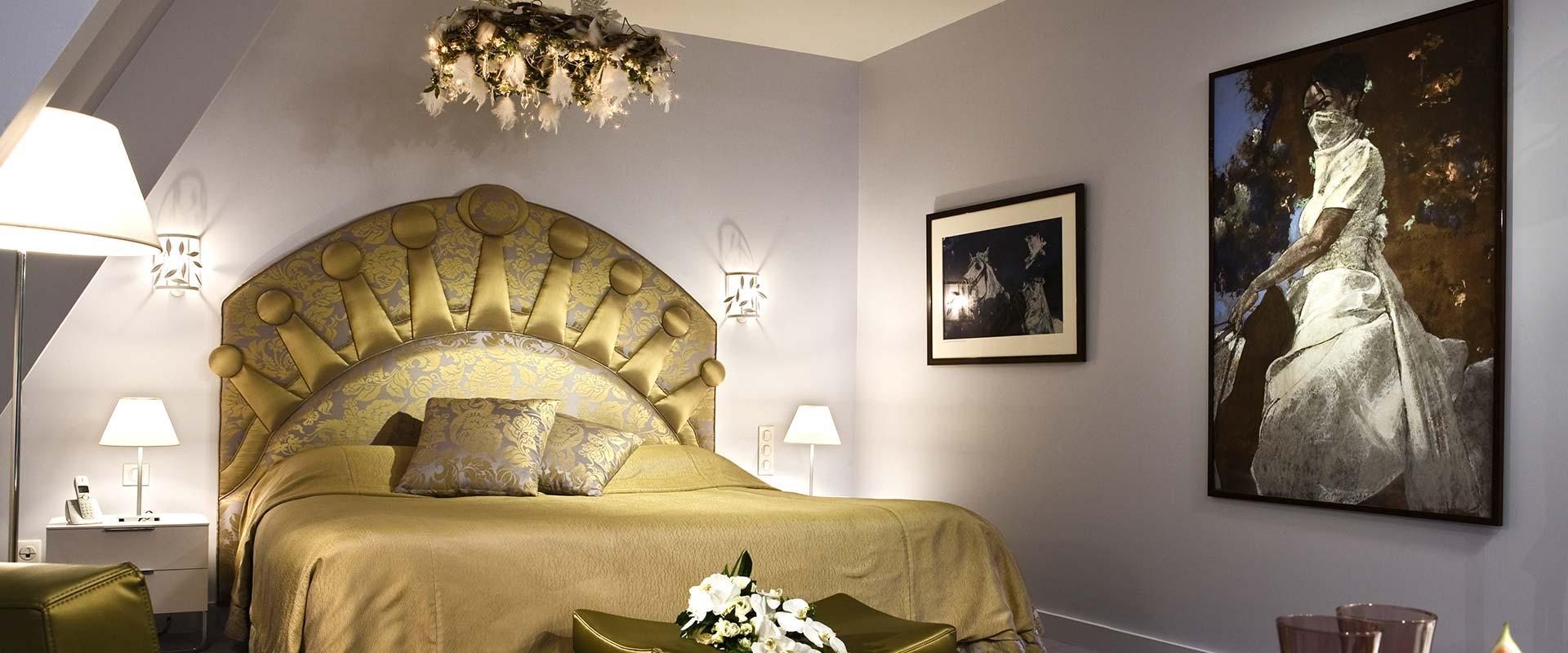 chambre de luxe pour un week end en amoureux dans un ch teau chantilly. Black Bedroom Furniture Sets. Home Design Ideas