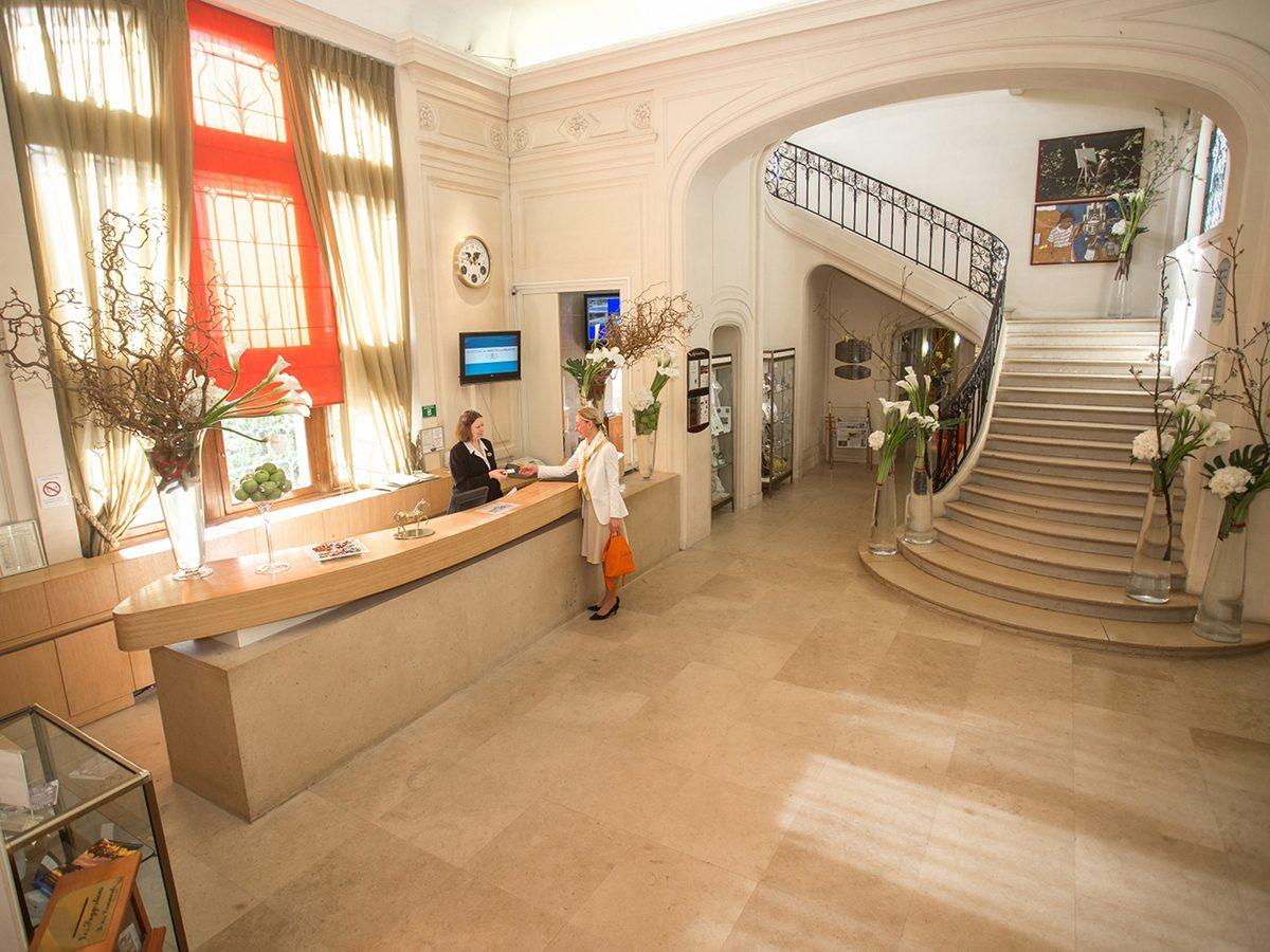 2-hall-hotel-e1508852125458