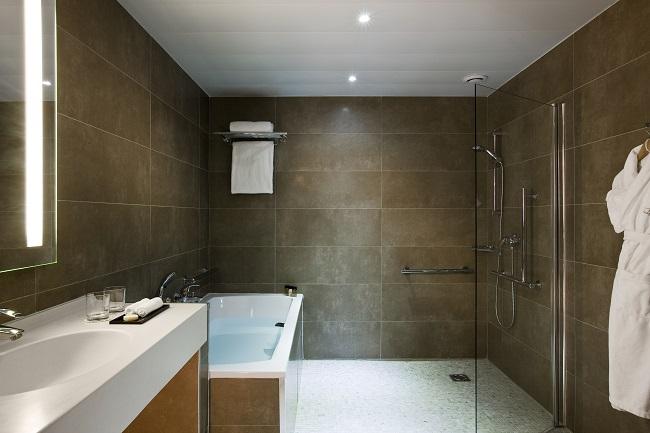 Salle de bain, chambre Standard Château handicapée