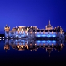 chateau-by-night
